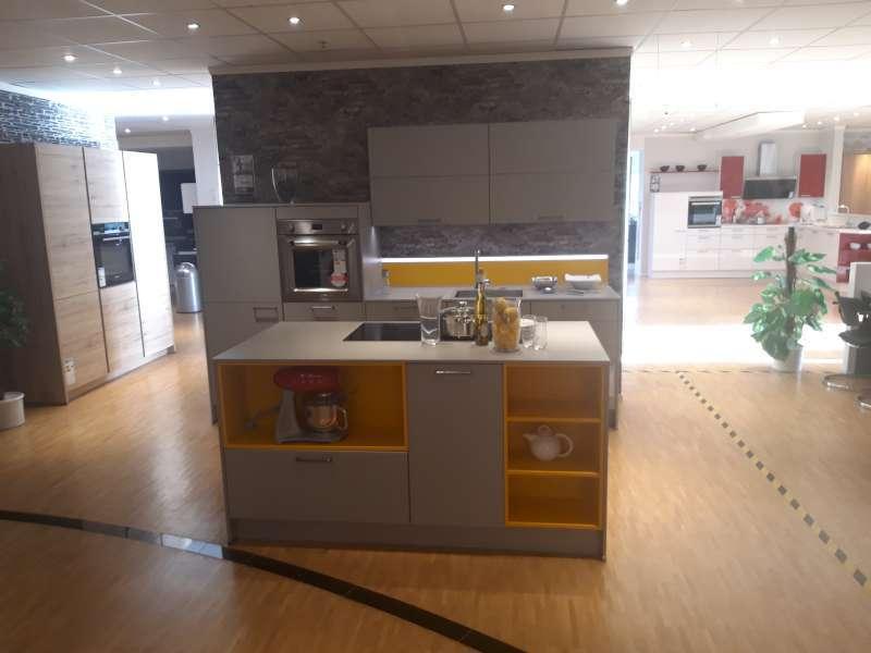 MEDA Gute Küchen Musterküche Nobilia K65032