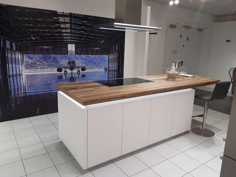 Ausstellungsküche von Ballerina im MEDA küchenstudio