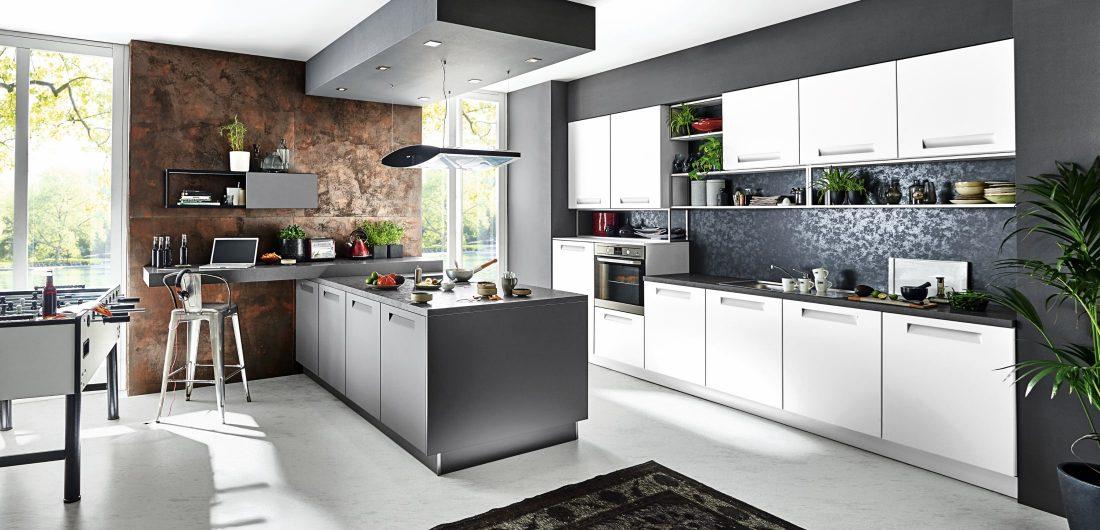 Offene graue Küche