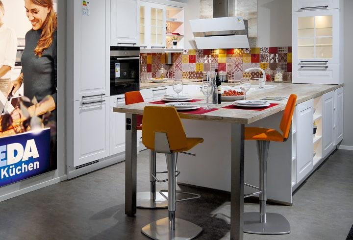 Küchenzeile mit U-Küche